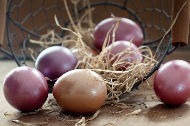 easter-eggs-1231120_640