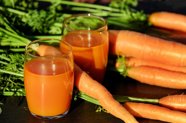 carrot-juice-1623157_640 (1)